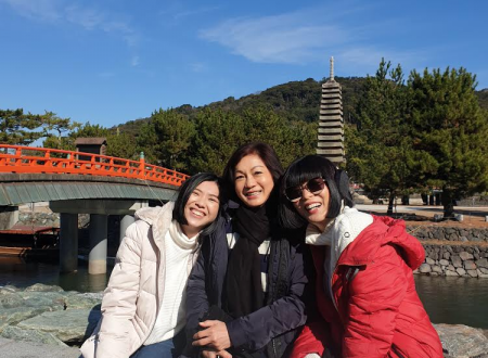 Picture of happiness...Suzen (centre) with Xandria and daughter-in-law Sing Yi